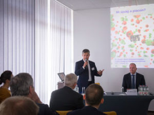 """KKM-államtitkár: jól működik a külkereskedelmet segítő """"intézményi hármas"""""""