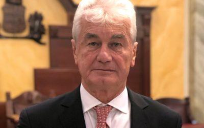 Szecskay András elnyerte a Magyar Ügyvédi Kamara legmagasabb rangú díját
