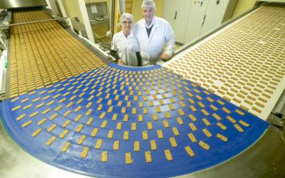 A Detki Keksz a hazai kekszpiacon a második legerősebb versenyző, a háztartási keksz-gyártásban legyőzhetetlen. Több, mint harmincöt éve a hazai nassolók masszív bástyája, a teljes sztorija a januári Forbesban olvasható!